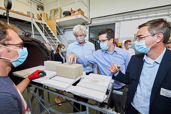 Bild02_akademischer-Nachwuchs__(c)Henning-Stauch_Bundesverband Kalksandsteinindustrie.jpg