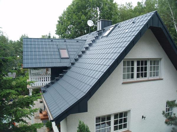 dachschaden aluminiumdach optimal bei altbausanierung. Black Bedroom Furniture Sets. Home Design Ideas