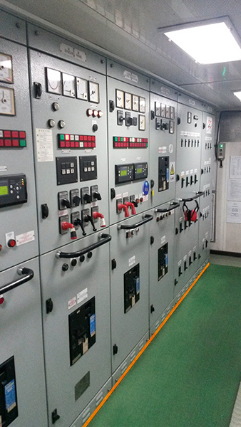 Bearing of a power distribution unit on a ship_.jpg